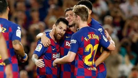 """""""Барселона"""" розгромила """"Севілью"""", дограючи матч вдев'ятьох: відео"""