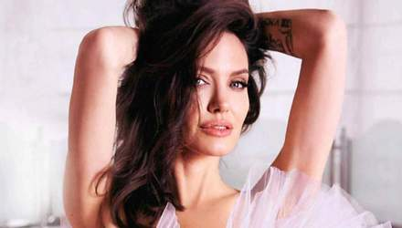 Анджелина Джоли полностью разделась для глянца: горячее фото