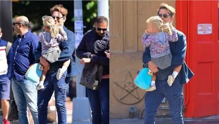 Папина дочка: Брэдли Купер прогулялся с Леей в Нью-Йорке – фото
