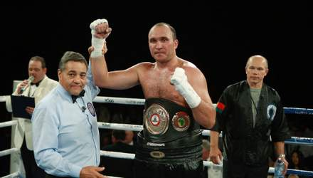 42-летний россиянин согласился заменить Спонга в бою с Усиком