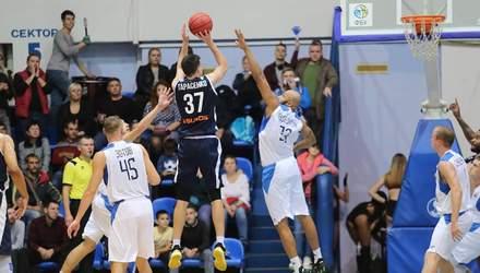 """Баскетболисты """"Николаева"""" одержали первую победу в сезоне, выиграв с разницей в одно очко"""