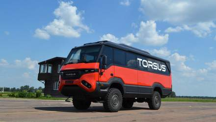 Як українці створили перший у світі автобус-позашляховик: цікаві факти