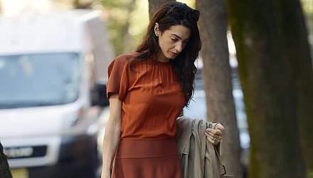 50 відтінків теракоти: Амаль Клуні продемонструвала ідеальний осінній образ