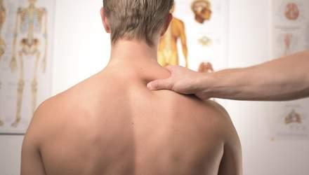 У Житомирі масажист під час сеансу зламав хребет своєму клієнту