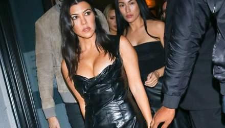 В кожаном платье: Кортни Кардашьян взбудоражила фанов сексуальным выходом в Лос-Анджелесе