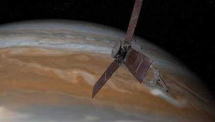 В NASA показали огромный ураган на Юпитере