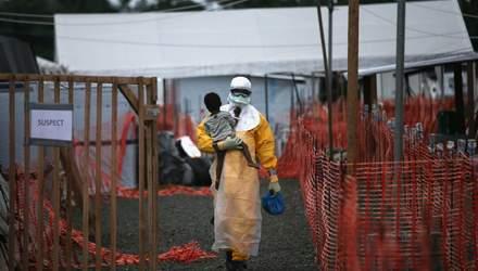Вперше офіційно затвердили вакцину проти Еболи