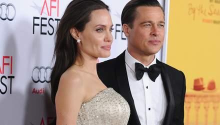 """""""Брэд перевернул жизнь с ног на голову"""": Анджелина Джоли не может простить экс-мужа"""