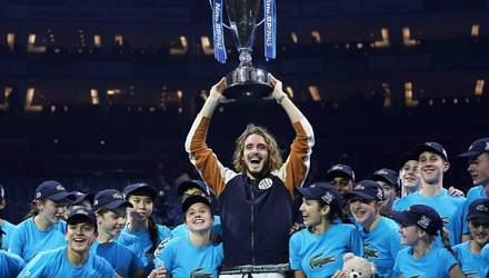 Юный Циципас неожиданно победил Тима в финала Итогового турнира ATP: фото