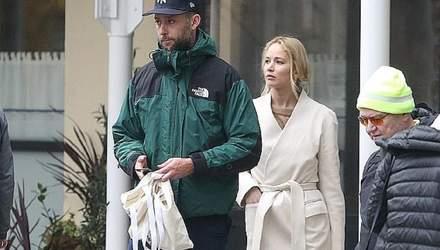 Дженнифер Лоуренс и Кук Марони впервые появились на публике после свадьбы: фото