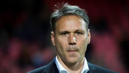 Легендарного нидерландского футболиста удалили из игры FIFA 20: что известно о скандале