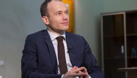 """Як у Мін'юсті """"зникали"""" сотні документів: ексклюзивне інтерв'ю з міністром Малюською"""