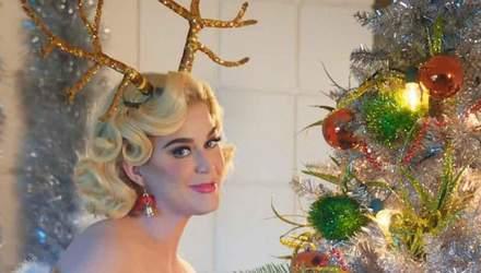 Как знаменитости украсили новогоднюю елку: яркая фотоподборка