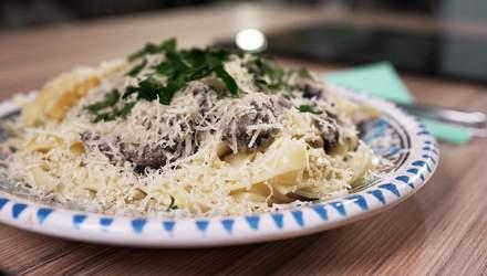 Фетучіні в сметанно-грибному соусі: рецепт простої та незрівнянної страви