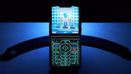 Стоковые обои и оболочка нового Motorola Razr появились в сети