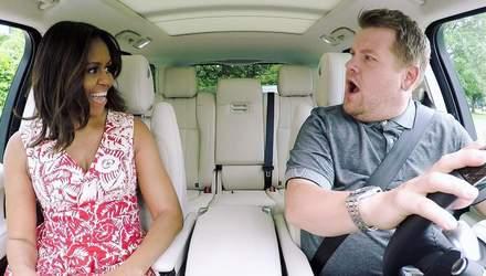 Сеть взорвалась возмущением: Джеймс Корден делал вид, что водит авто у Carpool Karaoke
