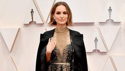 Натали Портман намекнула на дискриминацию женщин-режиссеров красноречивым нарядом на Оскаре-2020