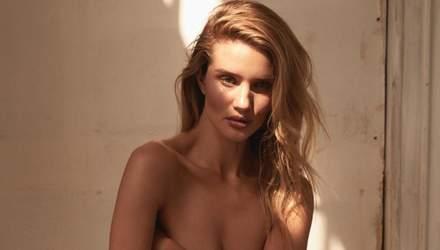 Модель Рози Хантингтон-Уайтли снялась топлес для глянца: горячие фото