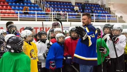 Хокеїсти українських клубів провели тренування для дітей у Полтаві та Кременчуці: фото