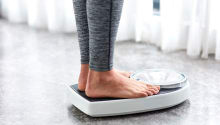 Як правильно стежити за своєю вагою: поради дієтолога