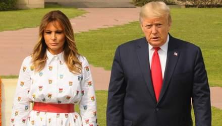 В платье с необычным цветочным принтом: Мелания Трамп осуществила официальный выход в Индии