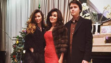 Дочь Анастасии Заворотнюк растрогала сеть чувственным сообщением