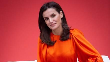 Летиція з'явилася на жіночому футбольному матчі: стильний образ королеви