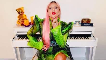 Леди Гага позировала в соблазнительном наряде от украинского дизайнера: пикантное фото