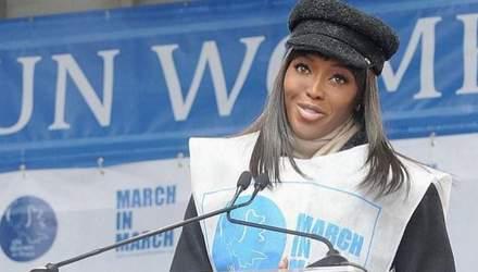 Из-за коронавируса Наоми Кэмпбелл выбросила наряд за 4 тысячи долларов