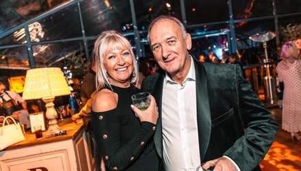 72-річний батько Девіда Бекхема одружується з мільйонеркою