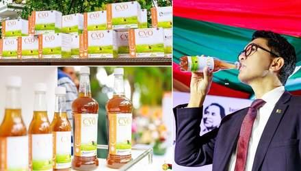 На Мадагаскаре жителям раздают травяной чай, разработанный якобы для лечения COVID-19