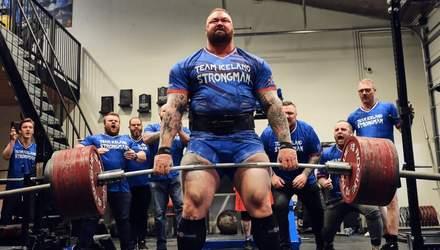 """Актор """"Гри престолів"""" побив світовий рекорд: підняв штангу вагою 501 кілограм – відео"""