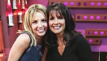 Неугомонная Бритни Спирс поздравила свою маму с днем рождения: редкое фото