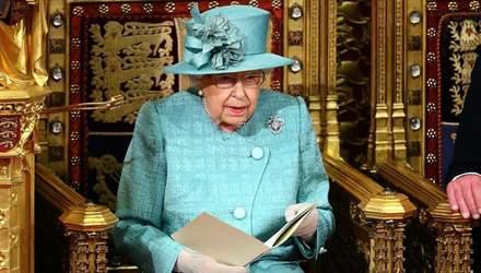 Королева Елизавета II появится на публике не раньше октября