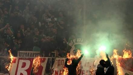 Грецькі ультрас жорстоко помстилися супротивникам за знущання: відео 18+