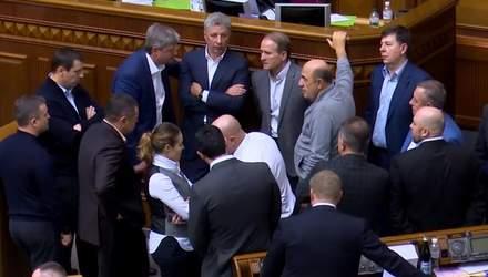 """Медведчук и компания хотят """"добить"""" закон о рынке земли"""