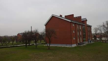 Російська військова база у християнському університеті: фотодокази зі сторінки бойовика