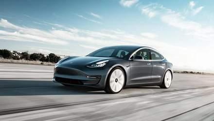 """Автомобілі Tesla суттєво подешевшають з """"вічним"""" акумулятором"""