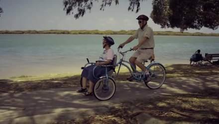 Муж разработал велосипед для больной жены, чтобы вместе ездить на велопрогулки: милая история