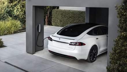 Машини Tesla можуть продавати енергію, їх зарядка виявилася двосторонньою
