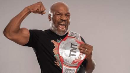 Тайсон повернувся у ринг і залякав суперника голим торсом: відео