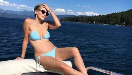 62-летняя Шэрон Стоун взбудоражила сеть фотографиями тела в купальнике