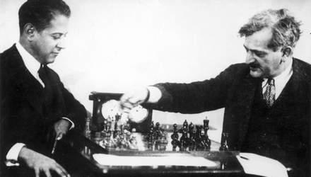 Як другий чемпіон світу з шахів виживав завдяки покеру