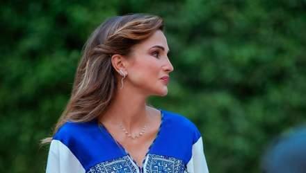 Королева Йорданії одягнула вишиту сукню на урочистий захід: розкішні фото