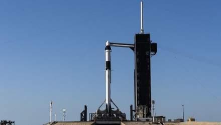 Запуск Falcon 9 и Crew Dragon отменили из-за плохой погоды