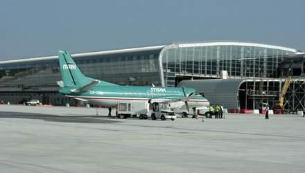 Які країни та коли відновлять міжнародне авіасполучення: список