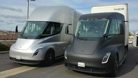 Tesla начинает серийное производство электрогрузовиков Semi