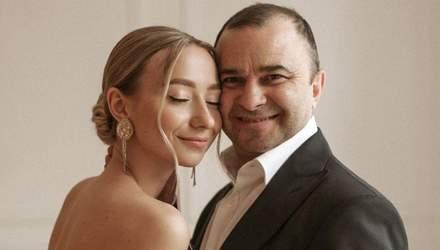 Віктор Павлік привітав молоду дружину з днем народження: Наздоганяєш