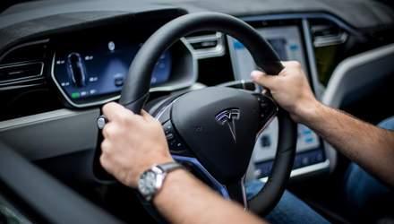 Tesla представила електрокар з рекордним запасом ходу: чи продовжать дорожчати її акції