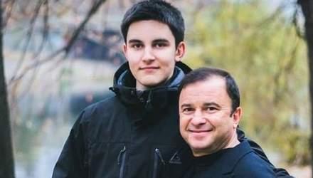 Лікування безглузде: 21-річний син Віктора Павліка припиняє боротьбу з раком
